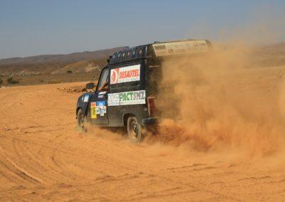 4L-trophy-aventure-course-voiture