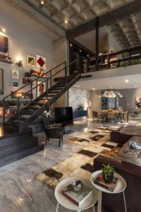 escalier-noir-acier-style-industriel