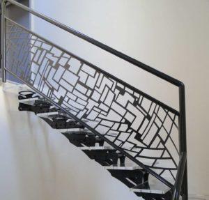 escalier-original-metal-panneau-deco